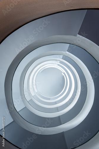 nowoczesne-spiralne-schody