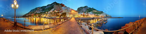 Foto op Plexiglas Panoramafoto s Amalfi a 360 gradi, notturno