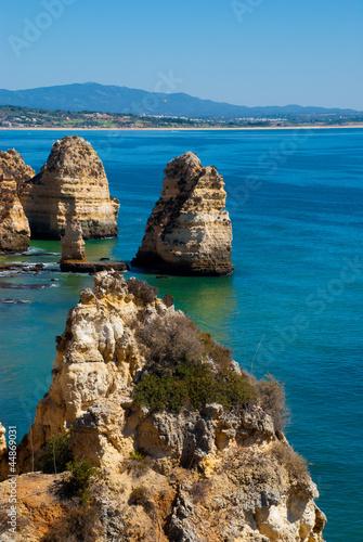 Fotografie, Obraz  rochas que o mar esculpiu