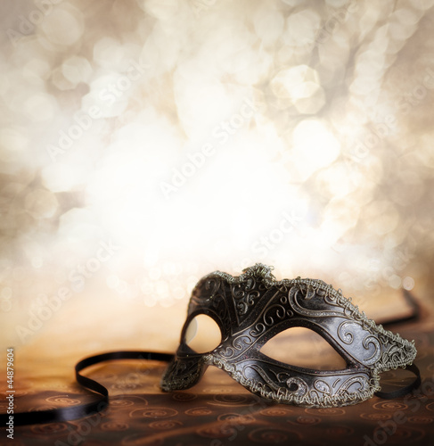 Foto op Plexiglas Carnaval carnival mask with glittering background