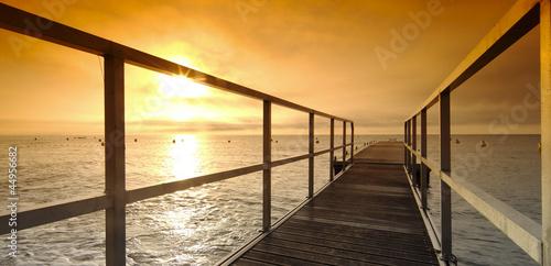 Fotobehang Pier Méditerranée, jetée de la plage de Ghisonaccia