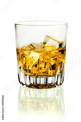 Foto-Rollo - Tumbler of brandy and ice (von exclusive-design)