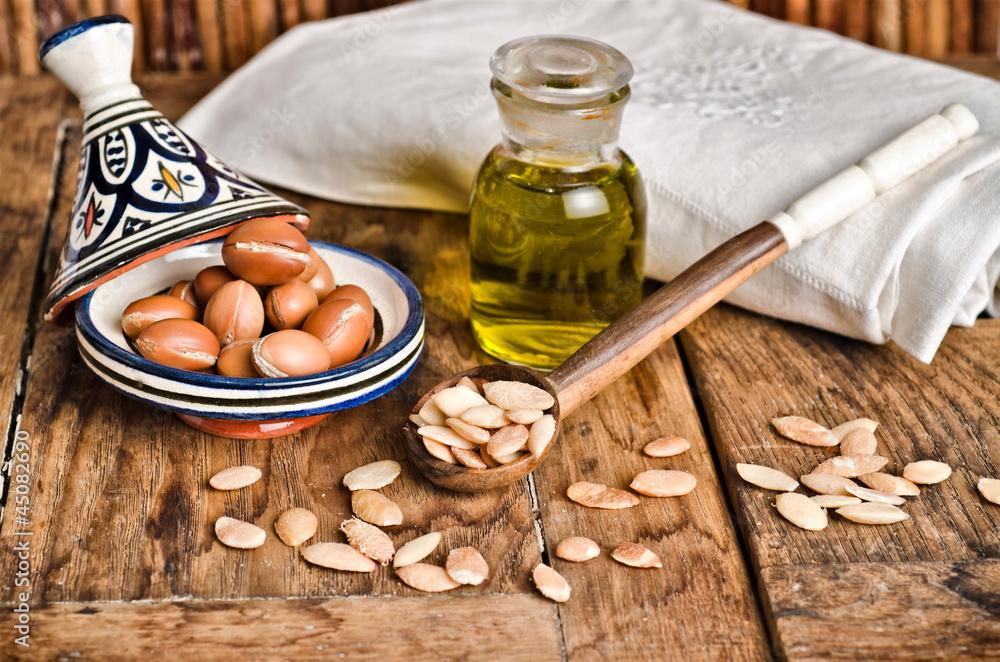Fototapety, obrazy: Still life of argan fruit and oil