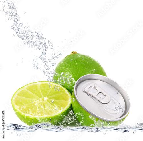In de dag Opspattend water lime lattina splash