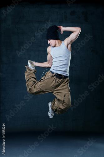 Fotografia  Young hip-hop dancer jumping