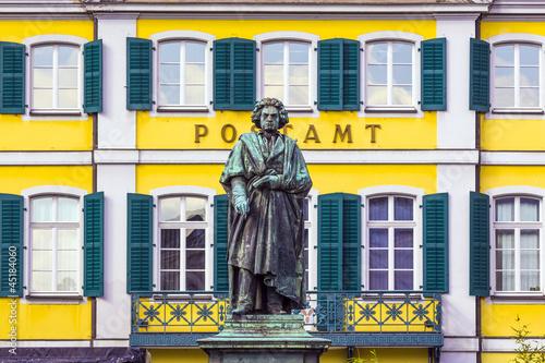 Fotografia, Obraz  The Beethoven Monument on the Munsterplatz in Bonn