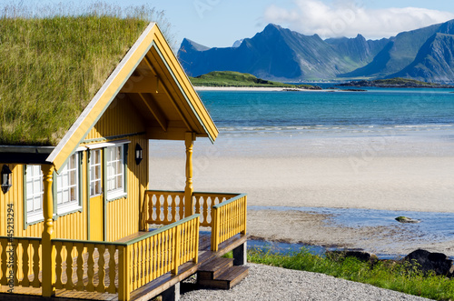 Foto-Schiebegardine Komplettsystem - Ferienhaus auf den Lofoten