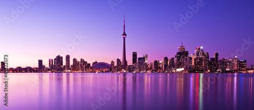Obrazy Toronto  scene-of-toronto-skyline-from-central-island