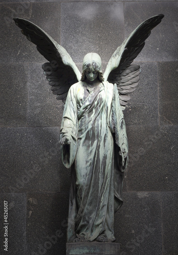 Poster Cimetiere Monument of old angel on cemetery in Warsaw