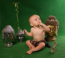 Bébé Et Bouddha