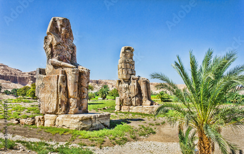 Spoed Foto op Canvas Egypte Colossi of Memnon, Valley of Kings, Luxor, Egypt