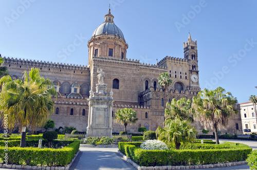 La pose en embrasure Palerme Cathedral of Palermo, Sicily, Italy