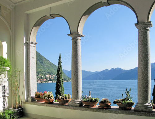 Cuadros en Lienzo View to the lake Como from villa Monastero. Italy