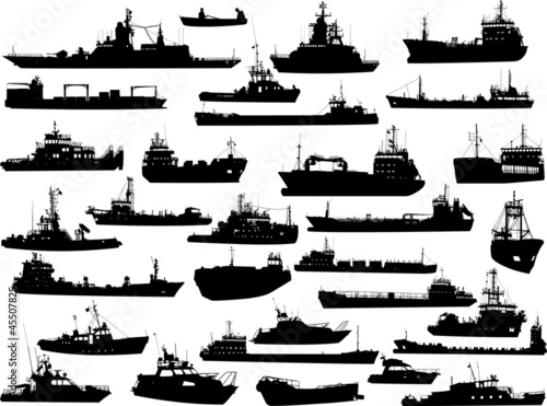 Fotografia  Set of 31 (thirty one) silhouettes of sea ships