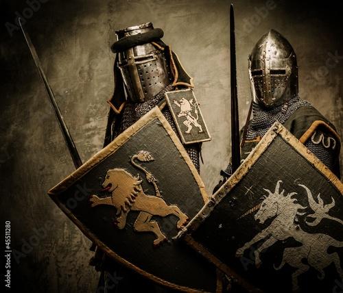 Tela Medieval knights on grey background