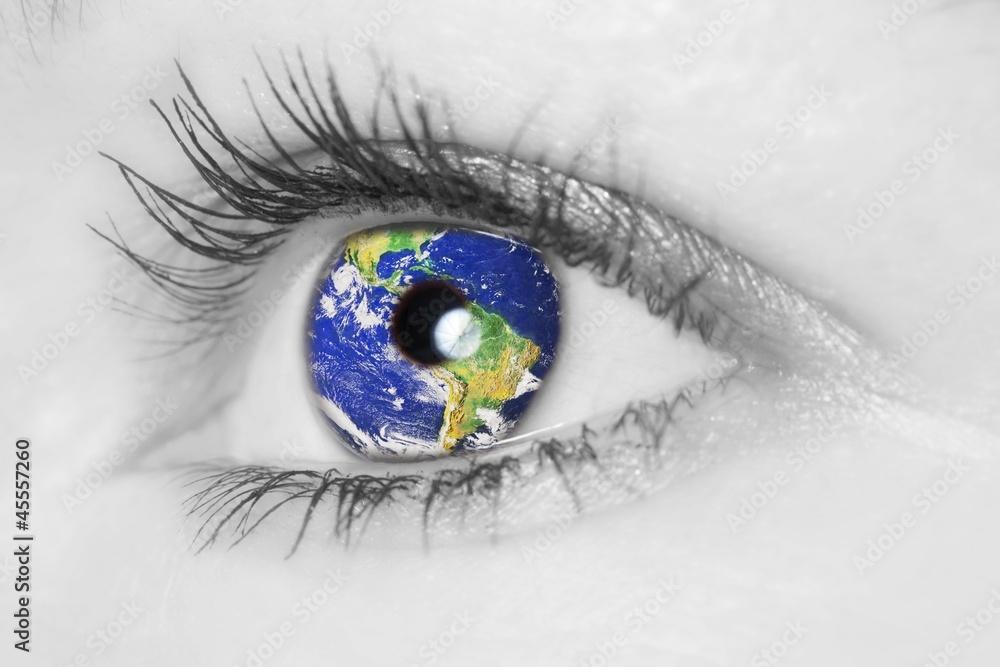 Fototapeta Auge mit Erde _ soft