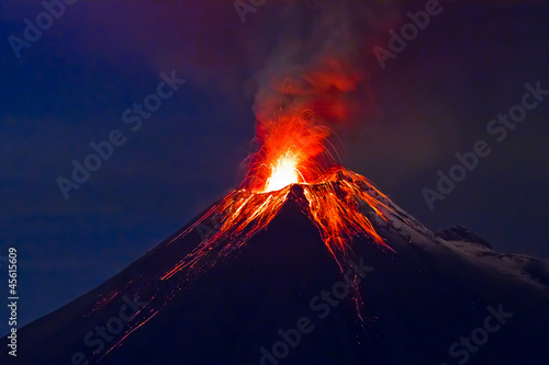 Fotografie, Obraz  Long exposure, Tungurahua volcano with blue skyes