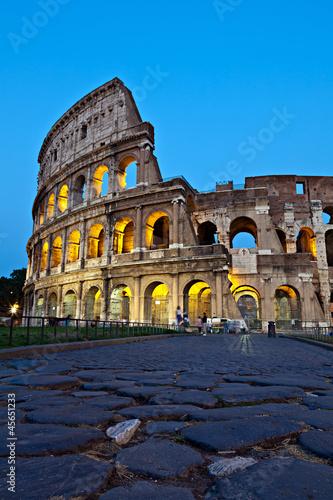 Foto op Aluminium Rome Roma, il Colosseo al crepuscolo