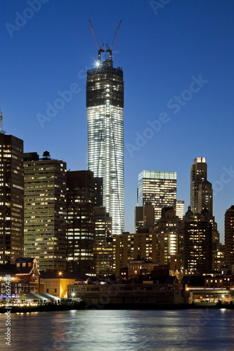 Freedom tower in New York City плакат