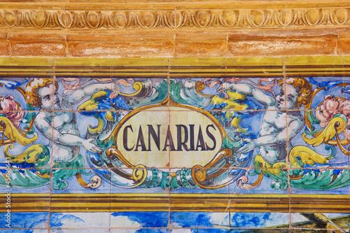 Fotografia  Canarias sign over a mosaic wall