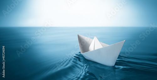 Fotografia  paper boat