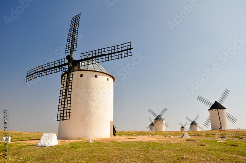 Fotografía  Molinos de viento en Campo de Criptana (España)