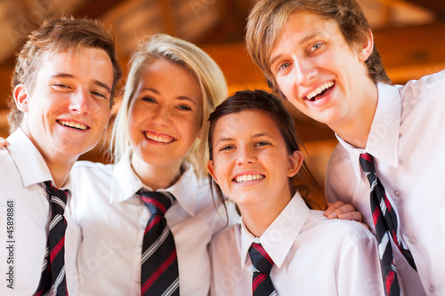 Fotografía  group of happy high school students closeup