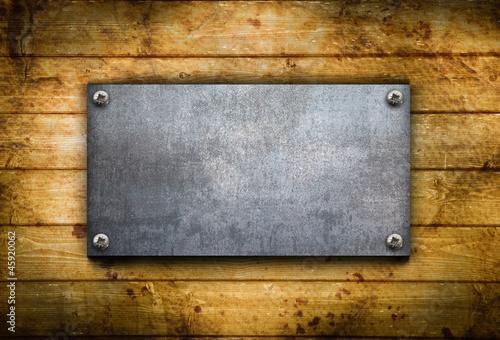 Photo  piastra metallica contro legno