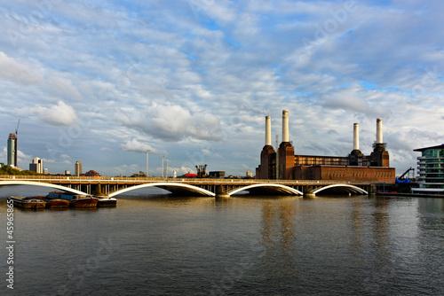 Staande foto Industrial geb. Battersea power station in London