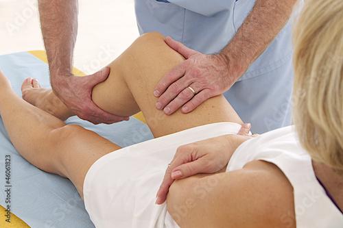 Fotografie, Obraz  Massage sur cicatrice  - Éviter les adhérences