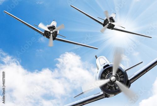 the-fighters-stare-samoloty-smiglowe-technologia-retro