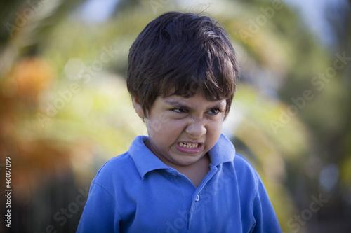 Photo bambino arrabbiato