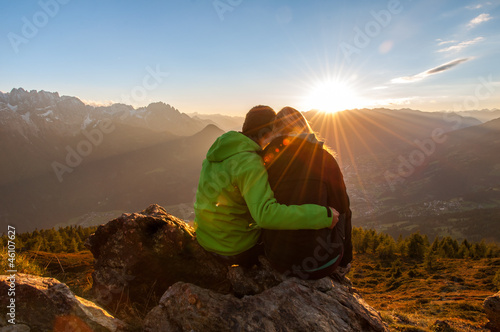 Fotografia, Obraz  Sonnenuntergang zu zweit genießen