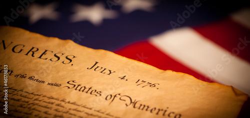 Fotografia  United States Declaration of Independence on flag background