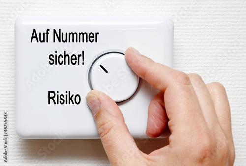 Fotografie, Obraz  Auf Nummer sicher gehen