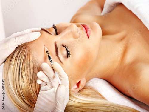 Woman getting cosmetic injection Fototapet
