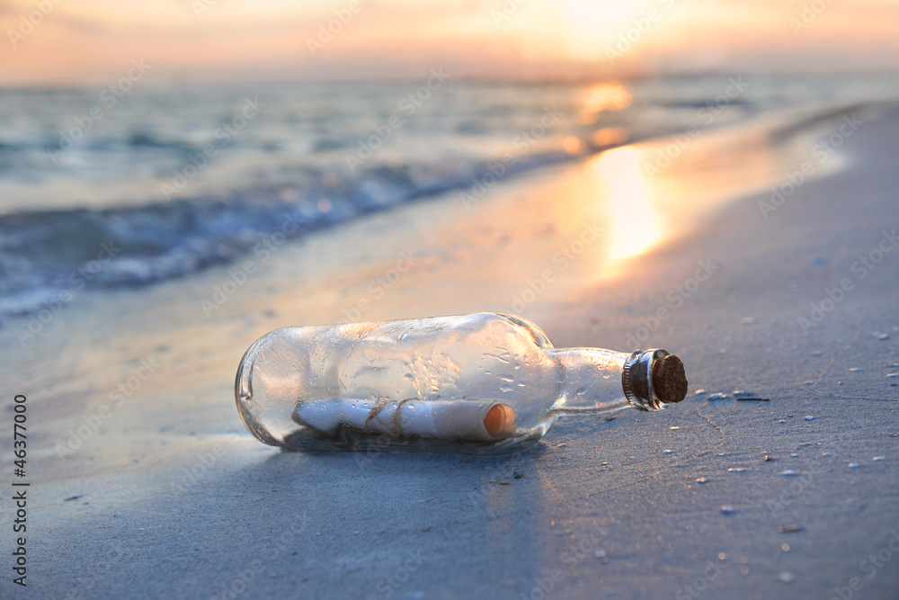Fototapety, obrazy: Message in a Bottle at Sunset