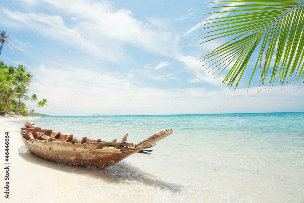 Fototapety, obrazy: View of nice tropical  beach  with old boat
