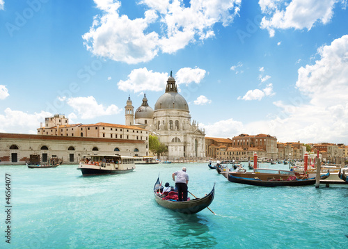 Photo sur Toile Gondoles Grand Canal and Basilica Santa Maria della Salute, Venice, Italy