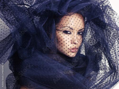 Canvas Print Woman with veil