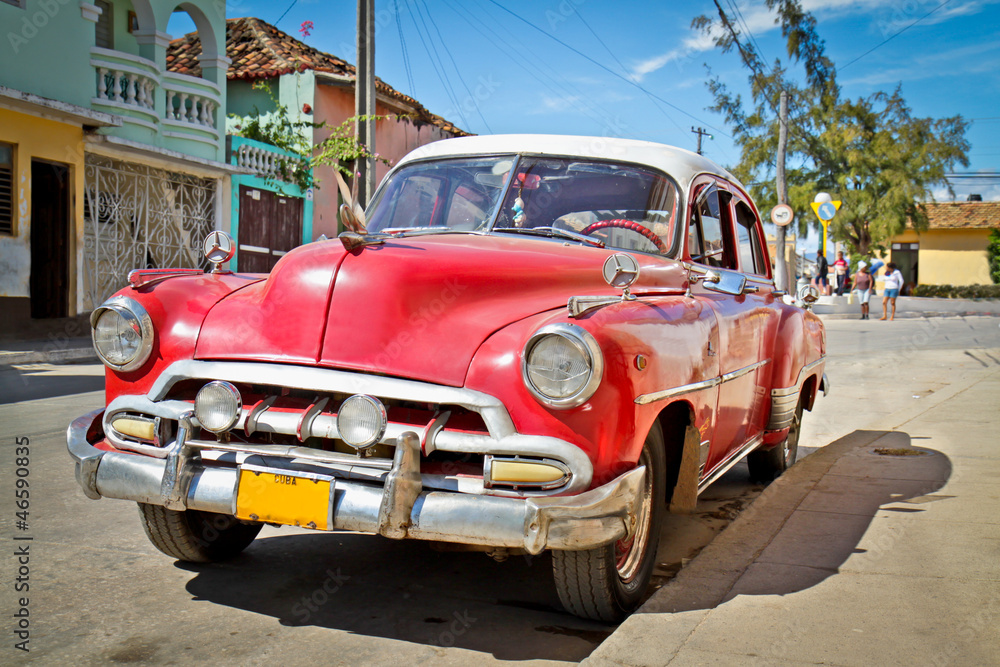 Fototapety, obrazy: Classic Chevrolet  in Trinidad, Cuba