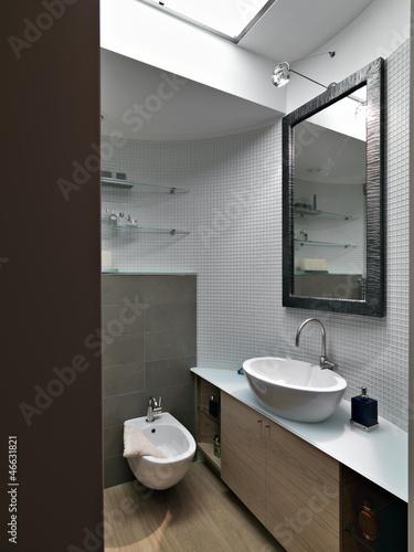 Dettaglio di un bagno moderno nel sottotetto buy this stock photo and explore similar images - Spiata nel bagno ...