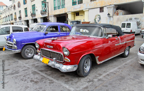 Cadres-photo bureau Voitures de Cuba Classic american cars in Havana.