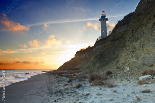 Montage in der Fensternische Leuchtturm Rocky beach whit lighthouse