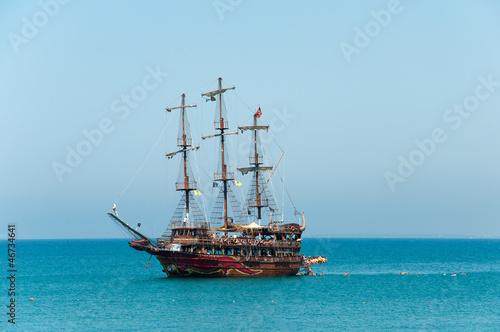 Foto auf AluDibond Schiff Pleasure boat the Mediterranean Sea