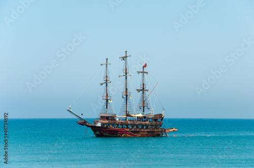 Tuinposter Schip Pleasure boat the Mediterranean Sea
