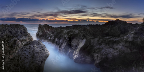Fotografiet Gouffre de l'Etang-Salé au crépuscule - La Réunion