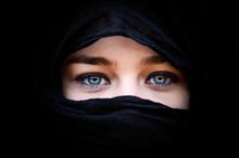Portrait Of Beautiful Woman Wi...