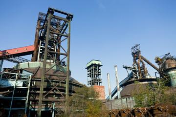 Fototapeta na wymiar Old steel mill