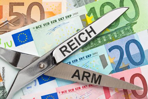 Fotografie, Obraz  Schere zwischen Arm und Reich - Armut, Reichtum - Umverteilung